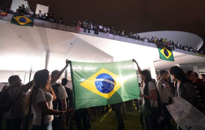 Protesto-Brasilia-Marcello-Casal-JrABr_LANIMA20130618_0012_48